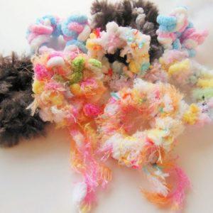 【ハンドメイド無料レシピ】裁縫道具要らず!指編みシュシュの作り方 /シュシュ×お気に入りの毛糸\