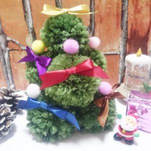 簡単アレンジ!毛糸のポンポンでクリスマスツリーの作り方【ハンドメイド無料レシピ】\