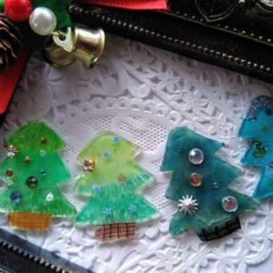 画材で変わる!プラ板の着色方法と違い!クリスマスアクセサリーレシピ【ハンドメイド基礎知識】\