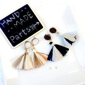 【ハンドメイド無料レシピ】麻編みピアスとラフィアタッセルでつなぐだけ夏ピアス!作り方&必要なもの