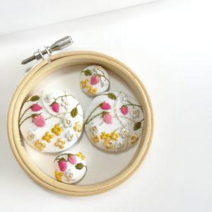 【素敵な作家さんシリーズ】ララの花かんむりさん★刺繍を通してたくさんの人に知ってほしいという思いで作品作りをしています!\